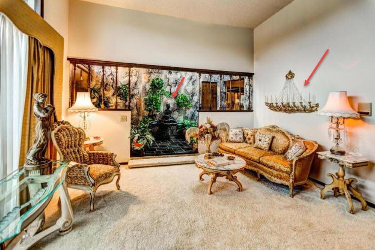 living room in liberace brady bunch home